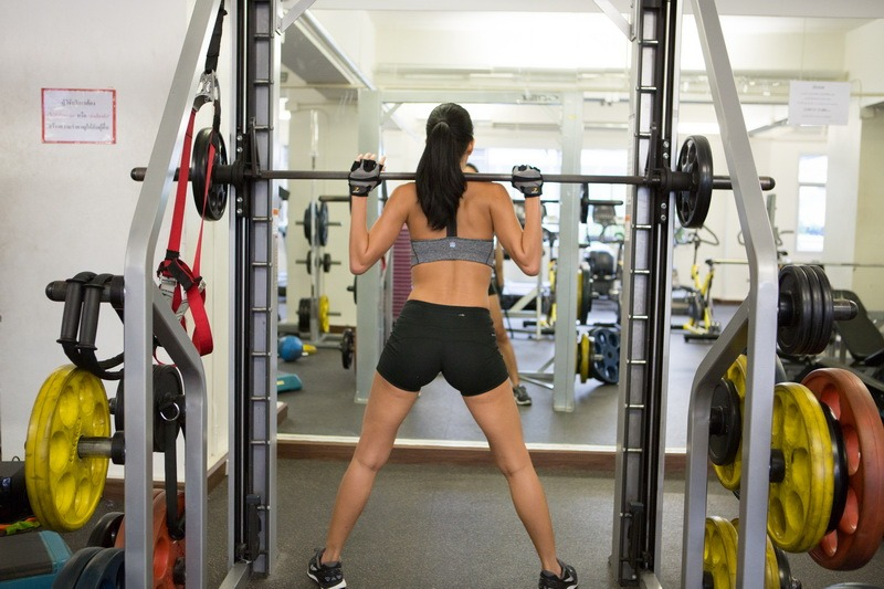 Smith Machine Sumo Squat Start_resize
