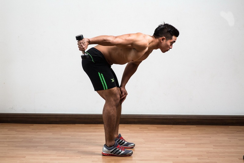 one-arm-dumbell-triceps-kick-back-finish_resize-copy