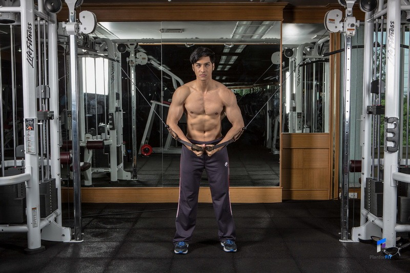 cable-fly-lower-chest-start_resize-1